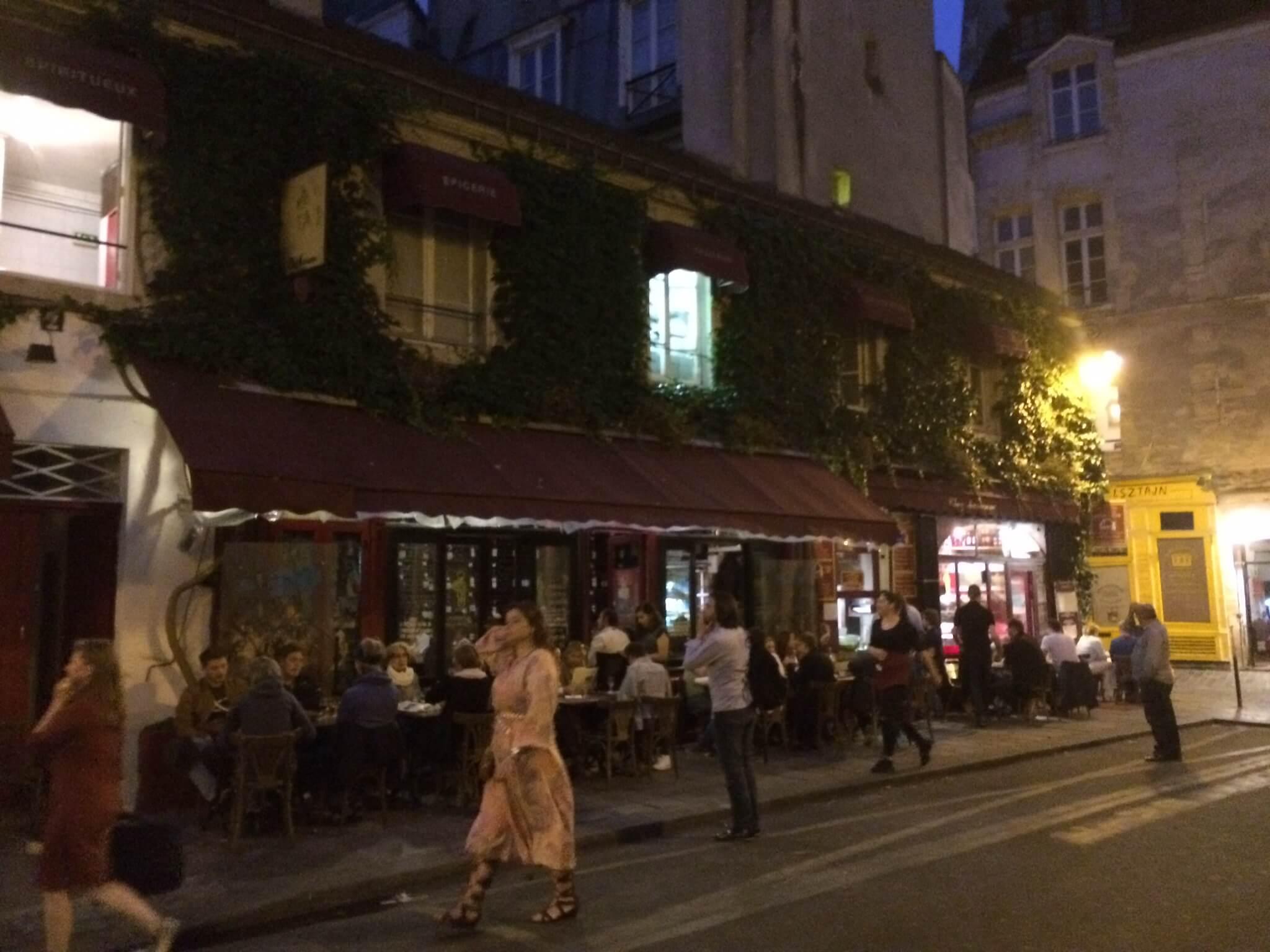 Chez Marianne, Paris