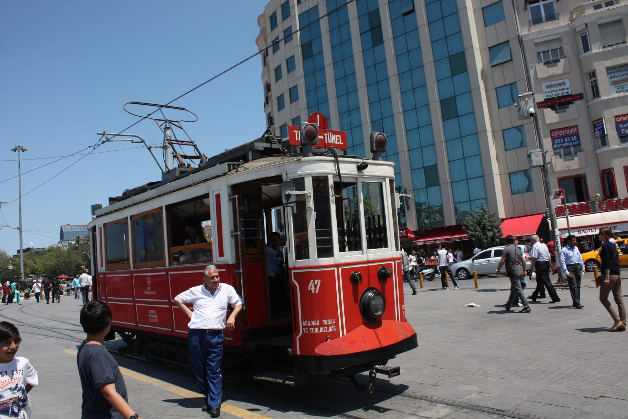 İstiklal Caddesi, Istanbul