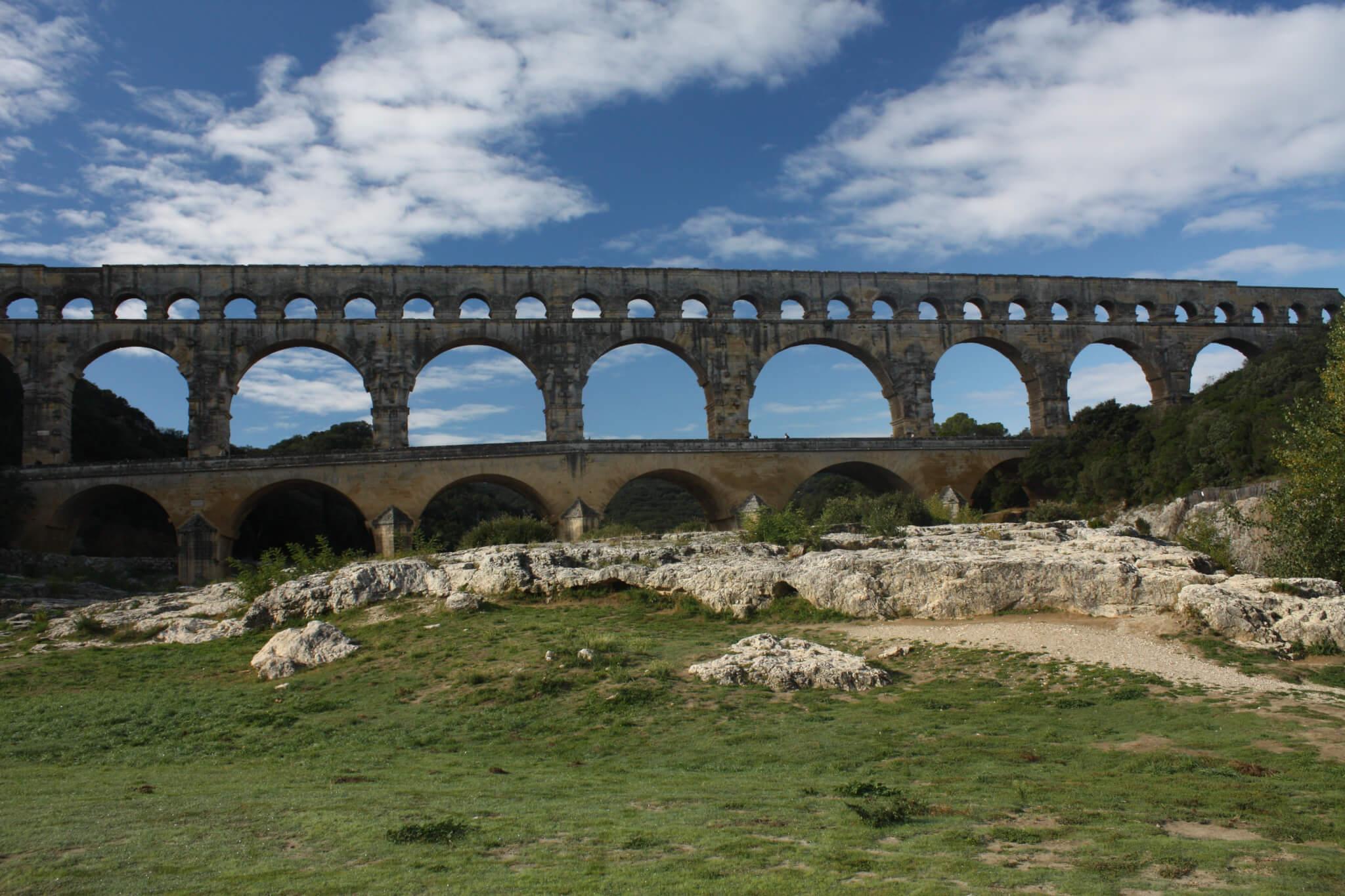 Pont du Gard, Vers-Pont-du-Gard