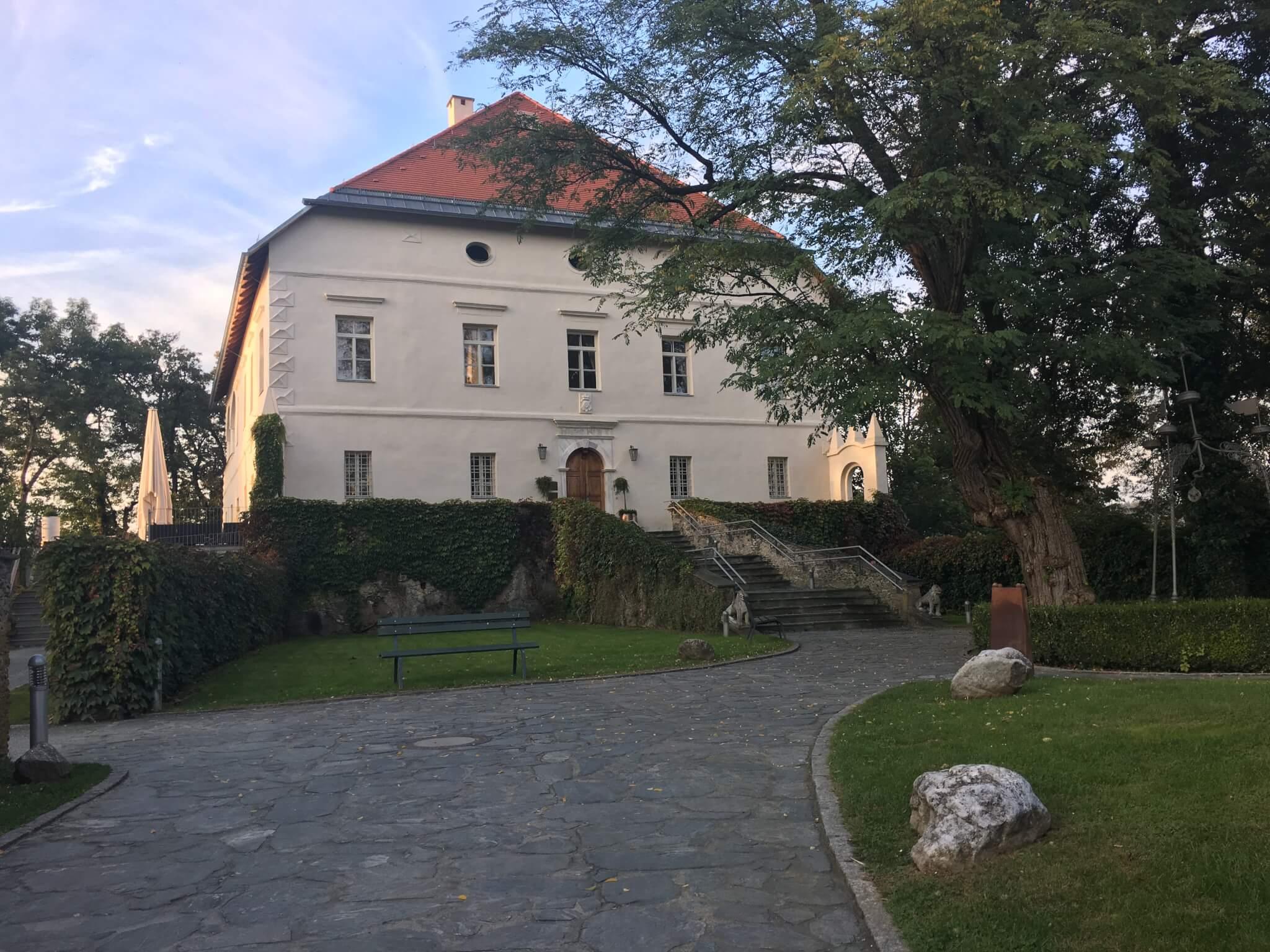 Schloß Maria Loretto, Klagenfurt