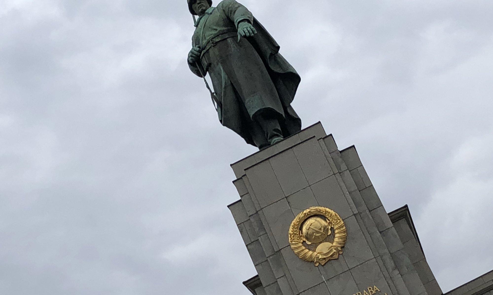 Sowjet Memorial, Tiergarten, Berlin